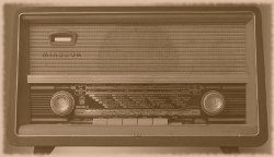 Old Radio, Image is Public Domain